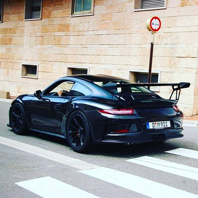 All black #blackout #porsche #911 #supercar #hyperdrivenz