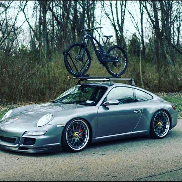 Wednesday tomorrow get your roof racks out for the weekend #Thule #porsche #pirelli #mtb #hyperdrivenz