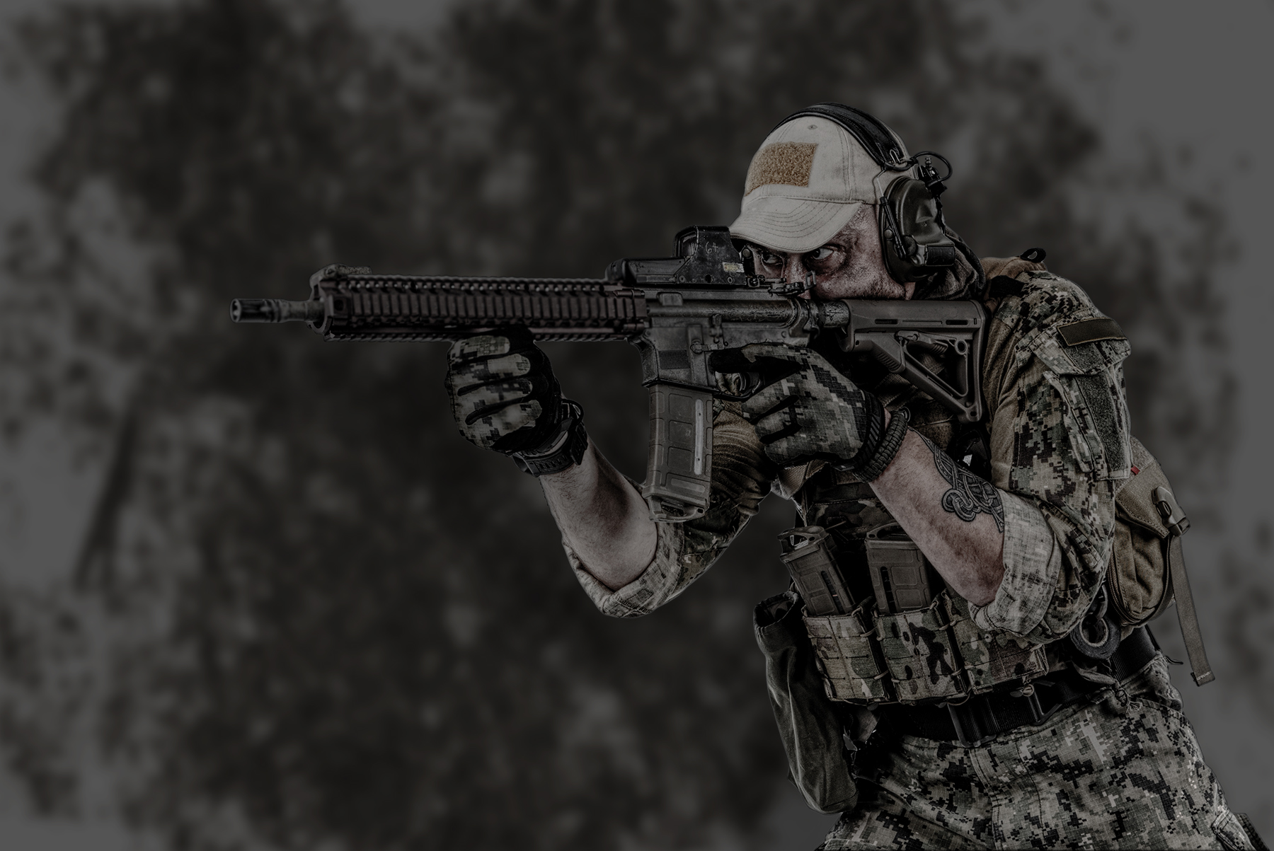 *14-inch variant shown with red-dot optic and PMAG® Ranger Plates™, sold separately
