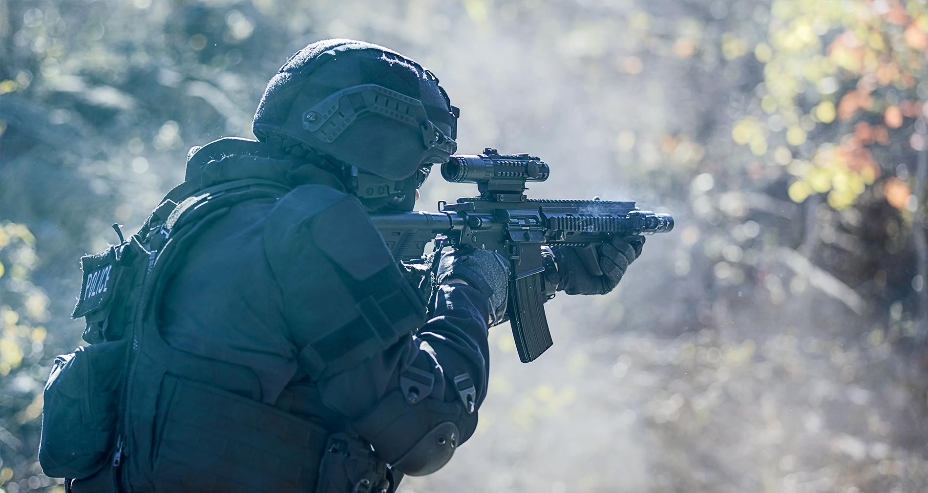 car-m415-556-devil-ray-swat-web.jpg