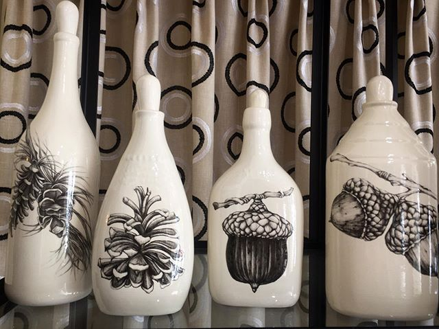 Art forms in nature always have a home inside of GMG. 🌲🌙 These bottles would make a perfect addition to any collection and a great gift for mom! Come by and check out our whole selection . . . www.goldenmoongallery.com #handmadeceramics #laurazindel #goldenmoongallery #shopsmall #giftsformom #mothersday #nature #supportsmallbusiness #sanmateo #giftideas #womeninbiz #supporthandmade