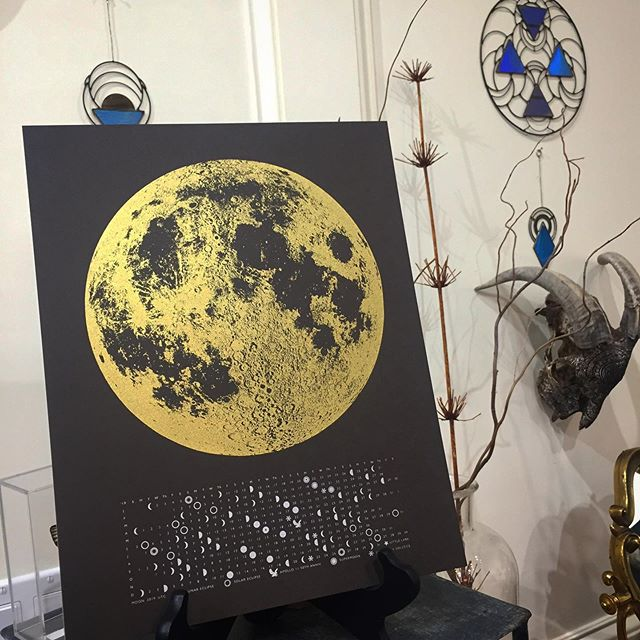 2019 Moon Calendars are now 50% off! 🌗🌕🌓 These come in black & gold, white & gold and white & copper. Can you believe we're already halfway through the year?! 🌙 . . . . www.goldenmoongallery.com #moonphases #moon #calendar #2019 #eclipse #fullmoon #locaart #supporthandmade #shopsmall #sale #goldenmoongallery #womeninbiz #handmade #sanmateo #supportsmallbusiness