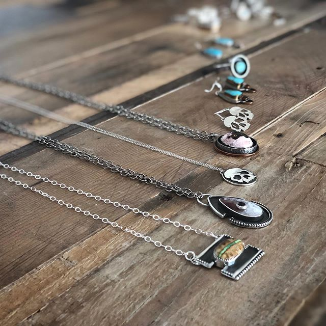 We're so happy and grateful to our very talented friend Rose, @owlandpalmjewelry for helping us while we'll be on maternity leave! Not only will she be managing the gallery for us, she's going to be making her beautiful jewelry while she's there! Come in to see the process and maybe even find the perfect piece for yourself or a loved one 😍🌙🖤 . . . . .  www.goldenmoongallery.com #supportsmallbusiness #goldenmoongallery #owlandpalmjewelry #supporthandmade #handmadejewelry #womeninbiz #artstudio #wip #customjewelery #shopsmall #handmade