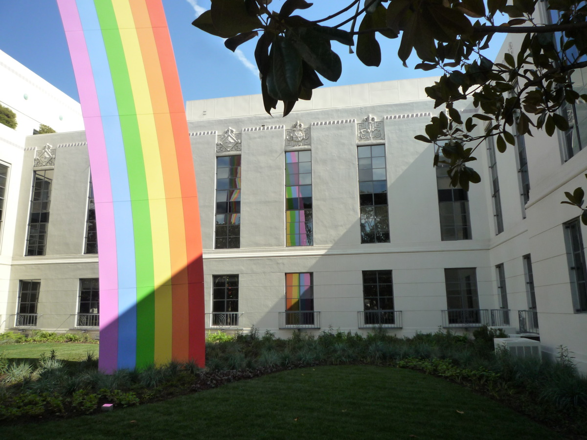 The southern foot of  Rainbow  is situated just off the main pedestrian walkway through Sony's lot. This is destined to become a great location for photographs. Reflections in the building's windows change throughout the day and emphasize the central role of light in perceiving the sculpture and its setting.
