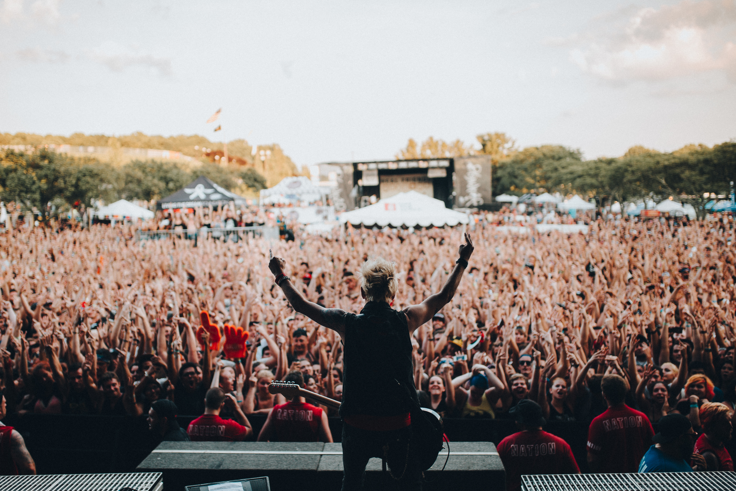 Holmdel, NJ . The Sum 41 salute.  I salute you all my fellow Skumfuks
