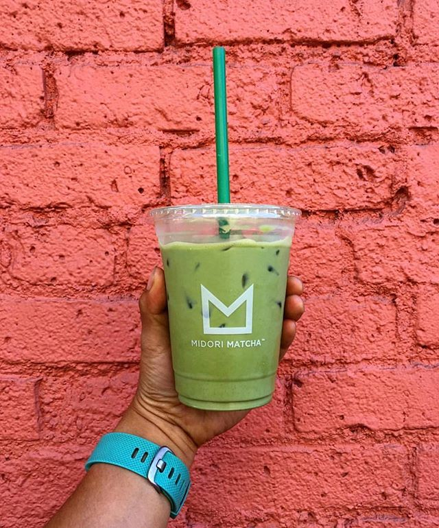 How do you take your matcha latte? We offer a wide selection of healthy milk options at no extra charge. Choose between creamy Organic 4%, Soy, Almond or the house favorite Oat milk. Happy Friday! - 📸@immalittlebunny