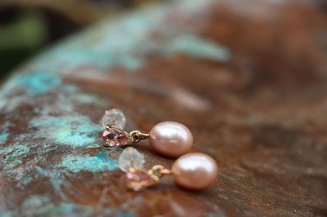 Pink! Pear shaped morganite and freshwater drop pearl earrings. #svgjewellery