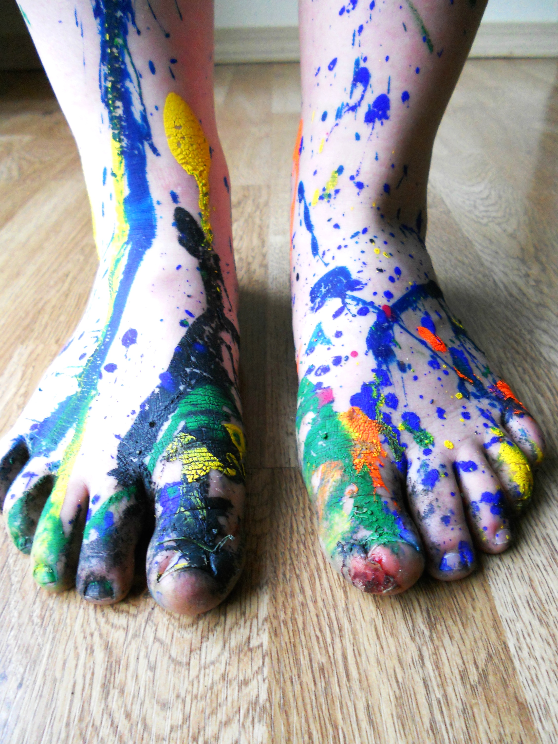 feet and paint