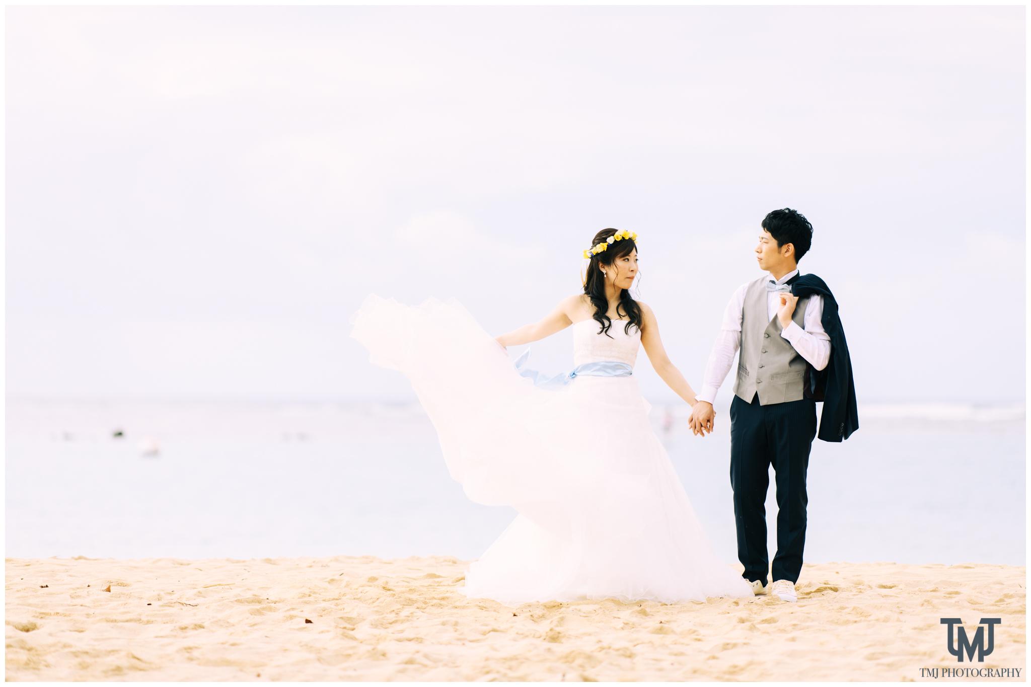 Moana Surfrider Terrace By The Sea Honolulu Destination Wedding 024.jpg