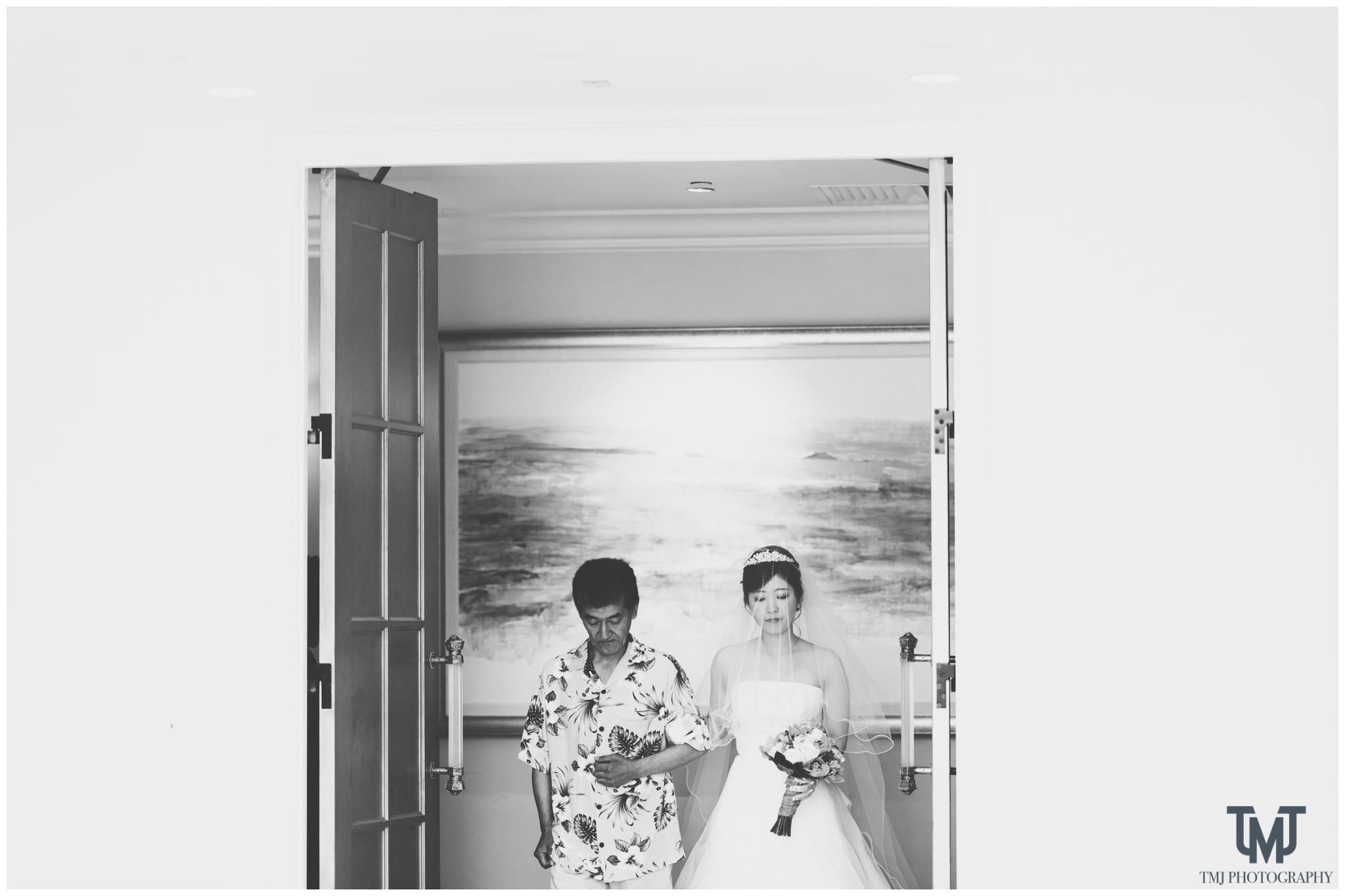 Moana Surfrider Terrace By The Sea Honolulu Destination Wedding 034.jpg