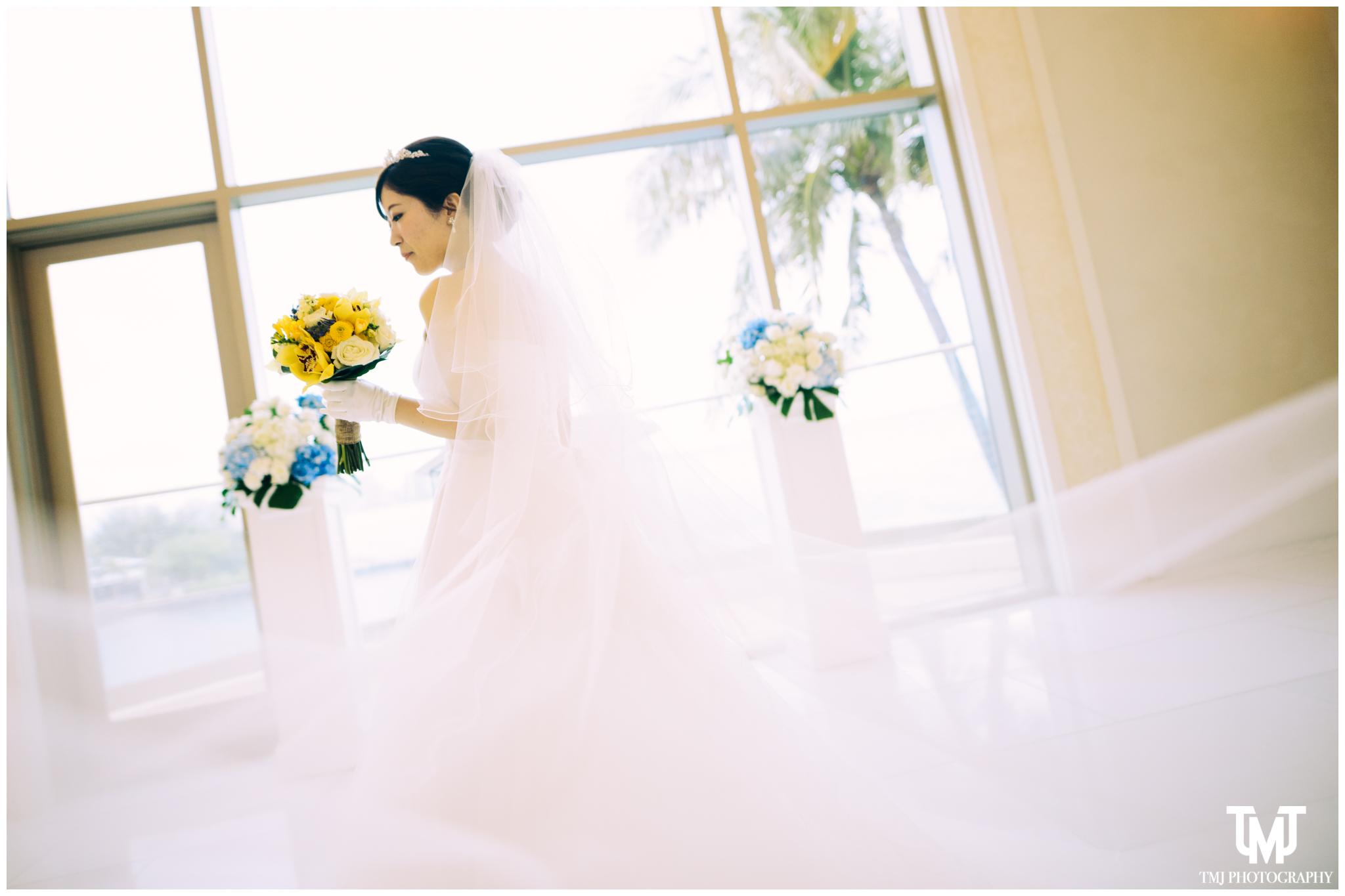 Moana Surfrider Terrace By The Sea Honolulu Destination Wedding 049.jpg