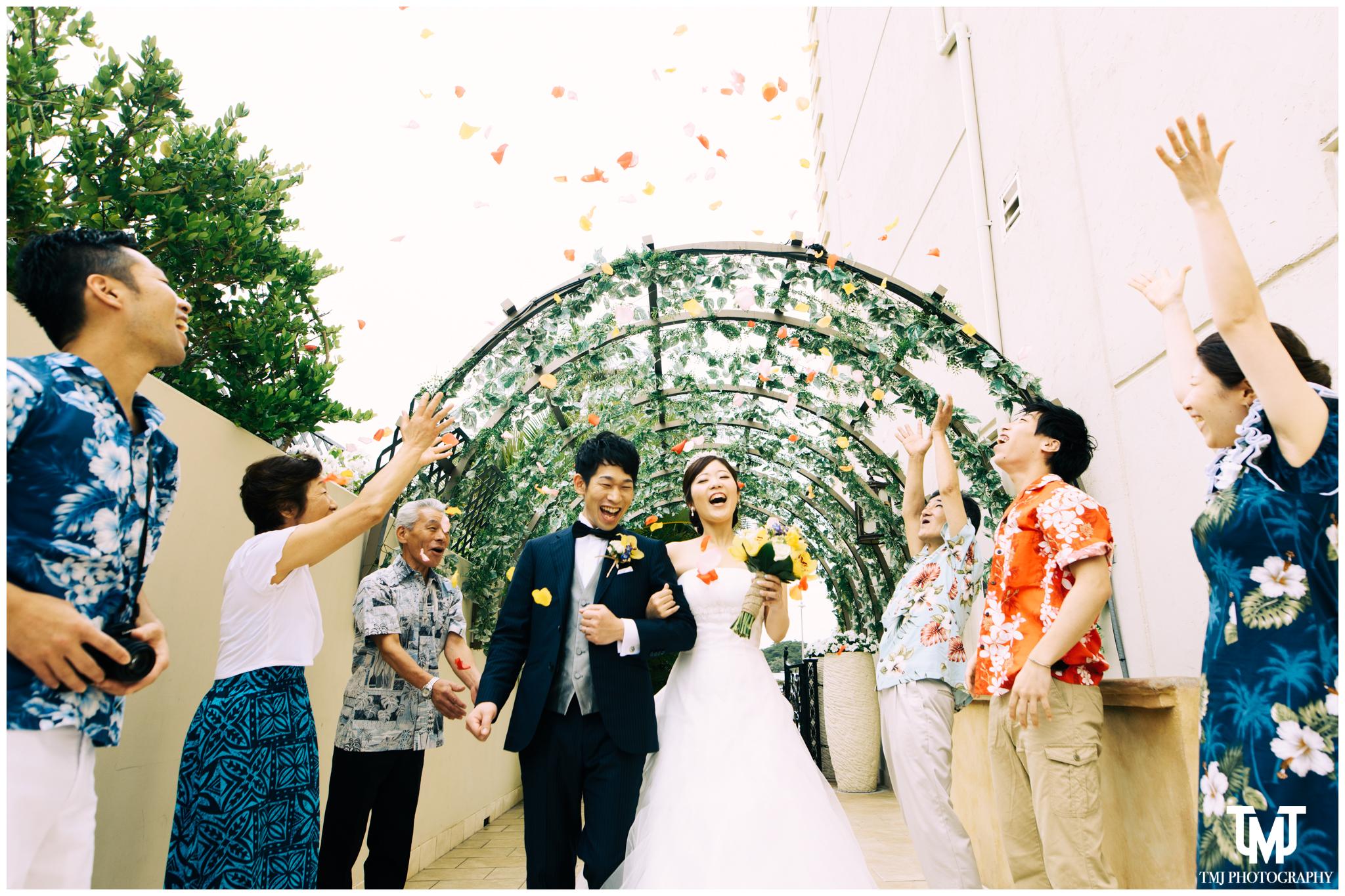 Moana Surfrider Terrace By The Sea Honolulu Destination Wedding 051.jpg