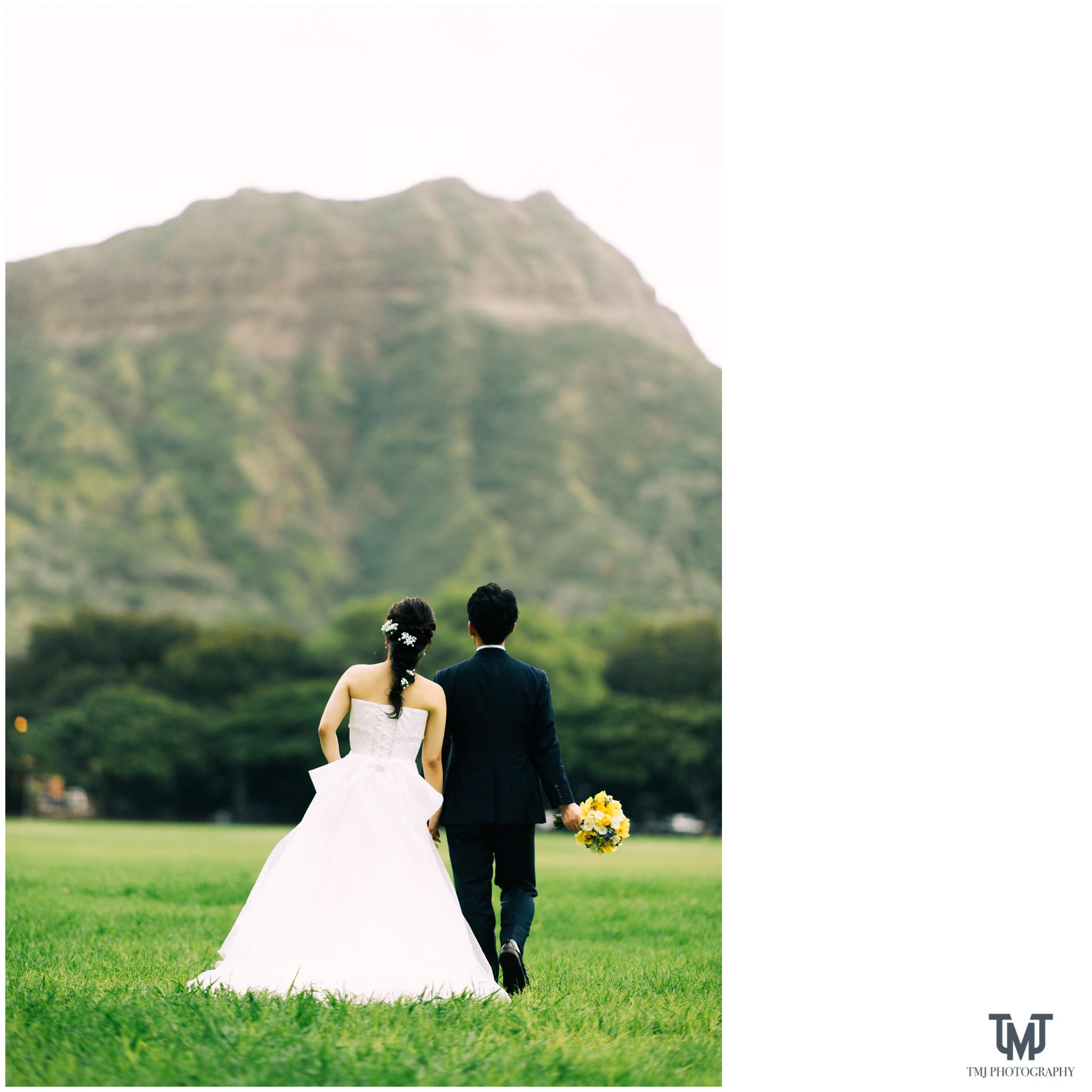 Moana Surfrider Terrace By The Sea Honolulu Destination Wedding 060.jpg