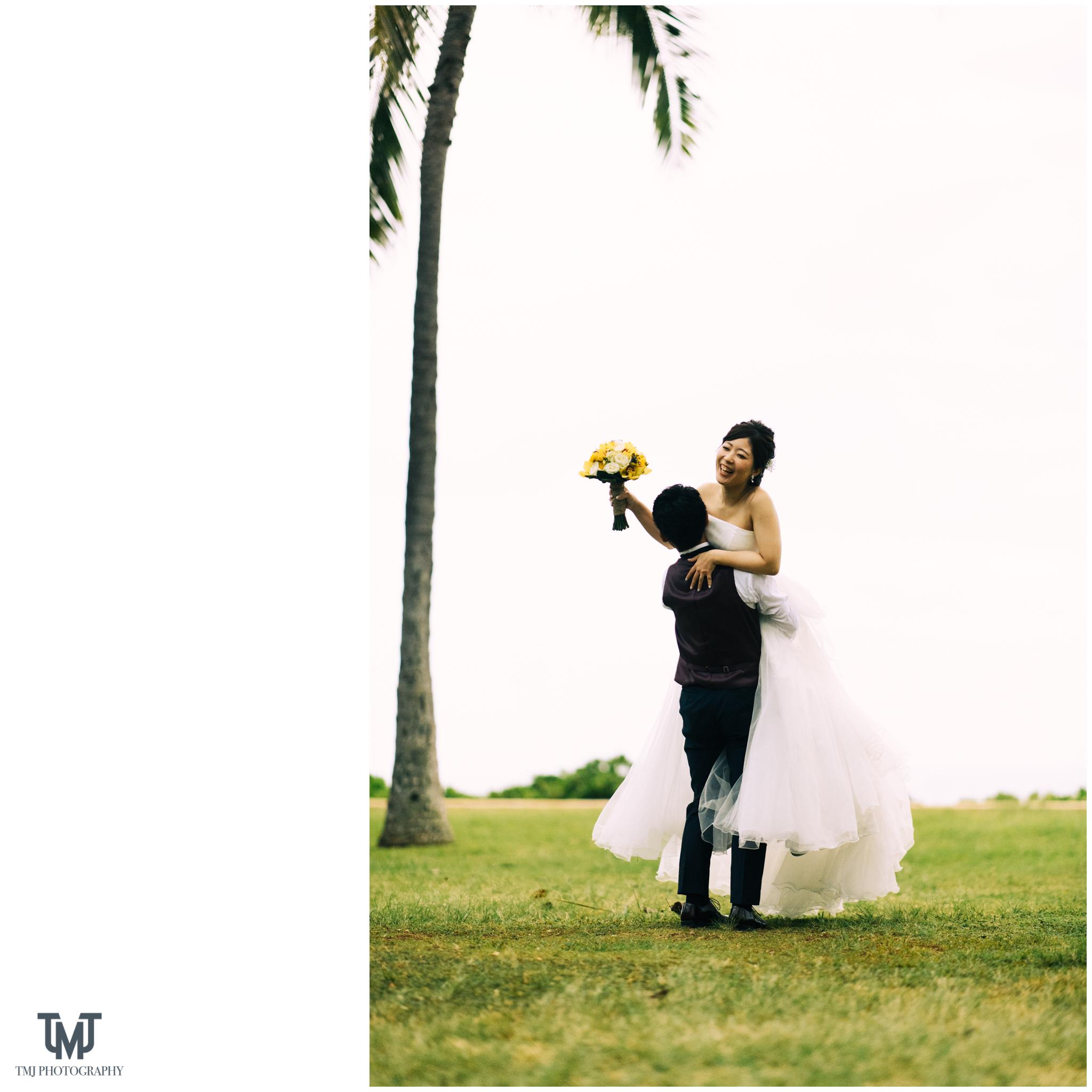 Moana Surfrider Terrace By The Sea Honolulu Destination Wedding 070.jpg