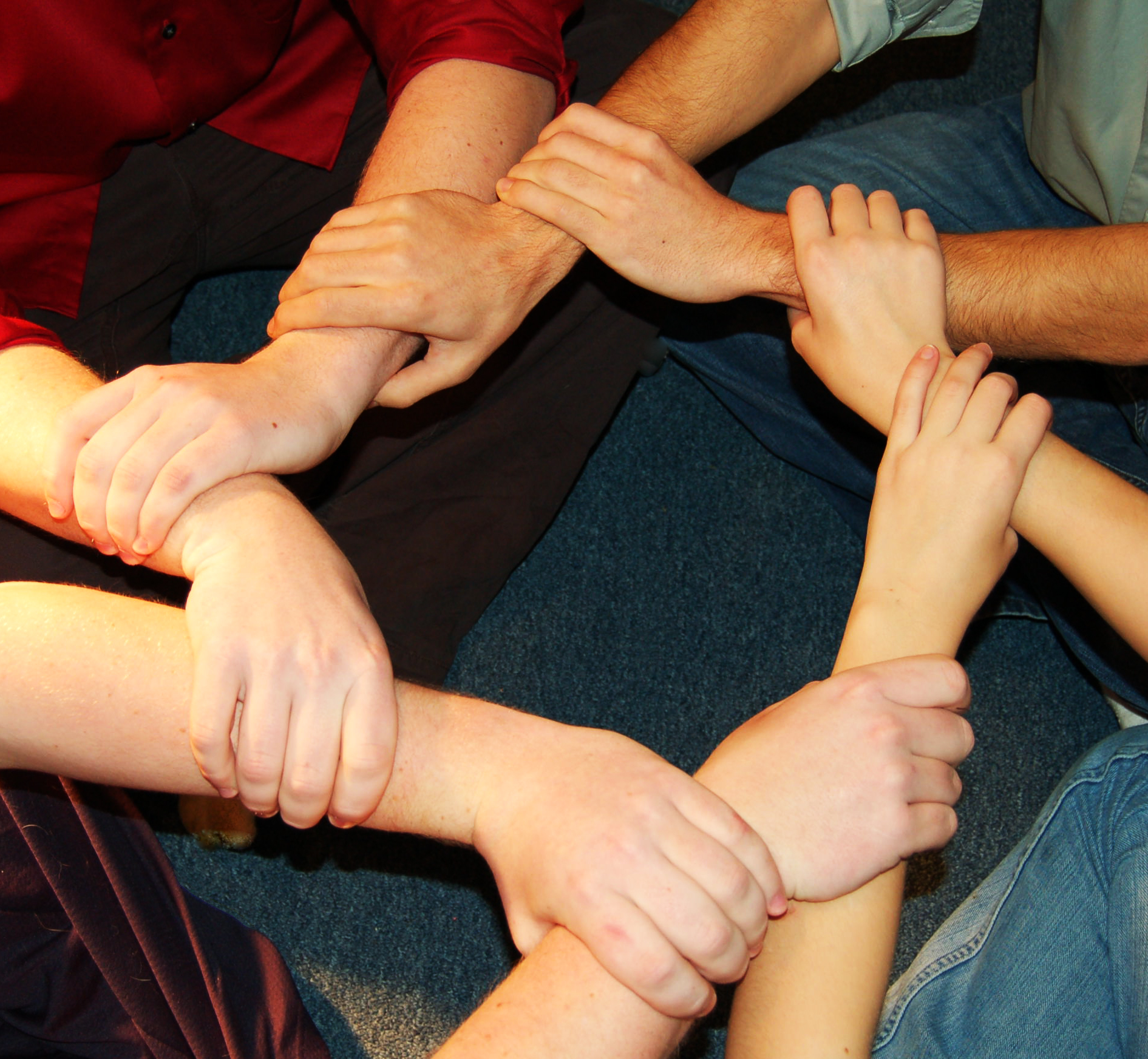 linked-hands-1308777.jpg