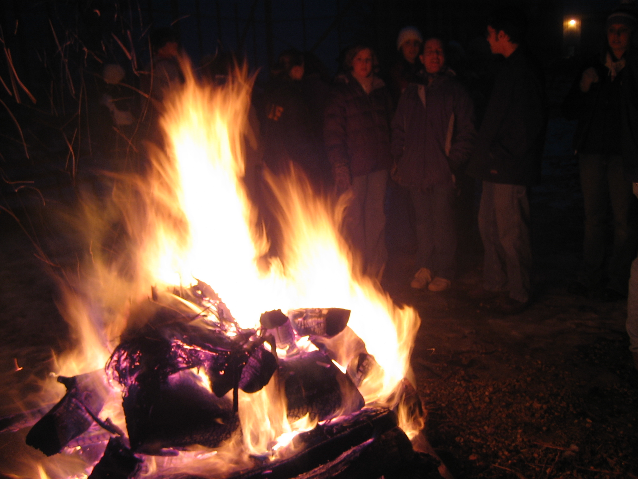 bonfire-1522891.jpg
