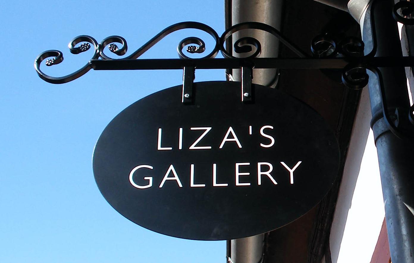 Liza´s Gallery sign bagside crop.jpg