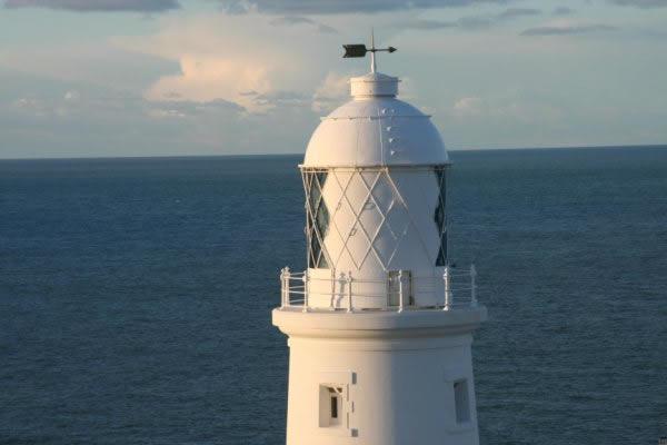 lighthousexl.jpg