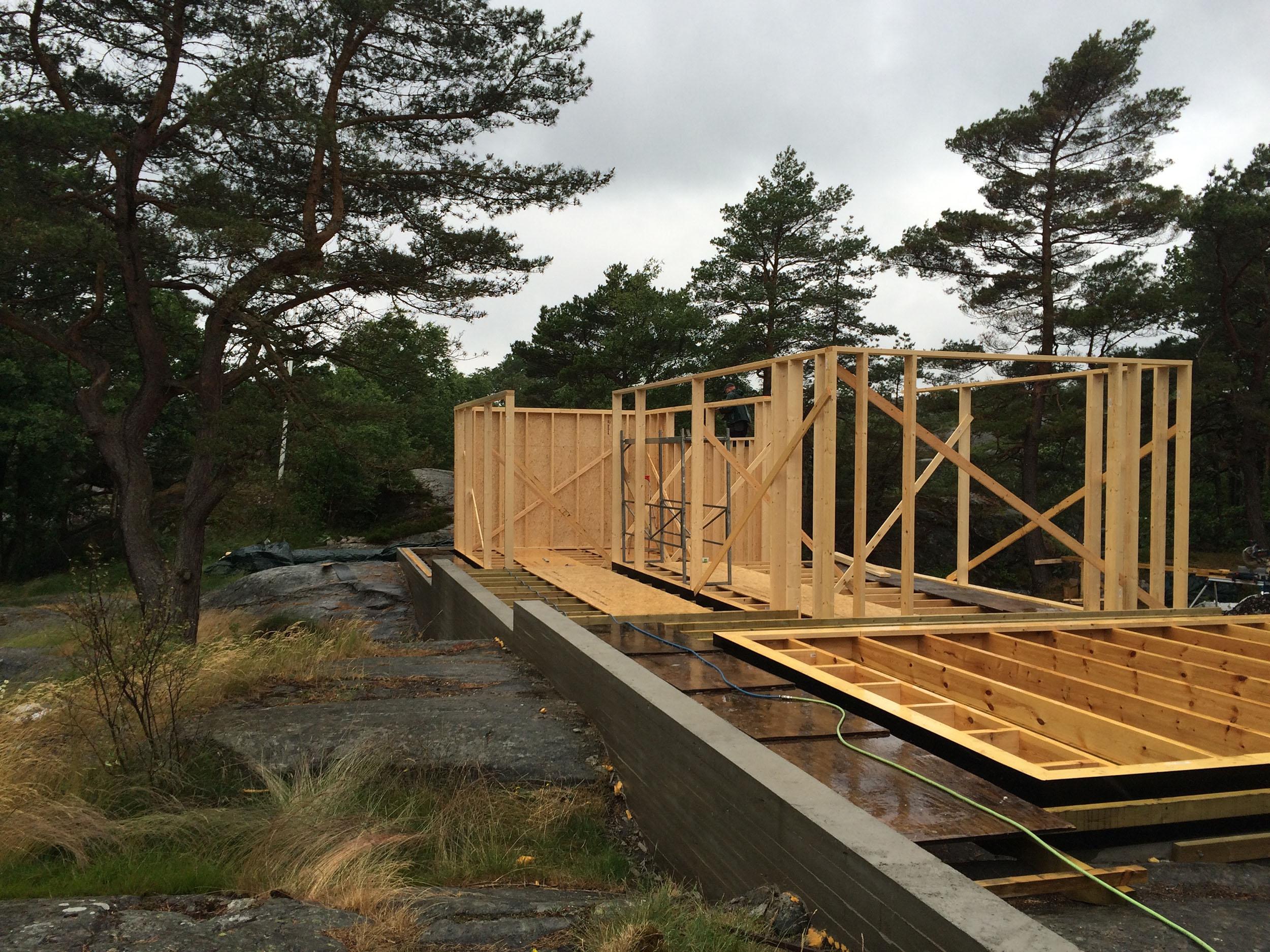 06/2016 - Hytte Risør er på vei opp.