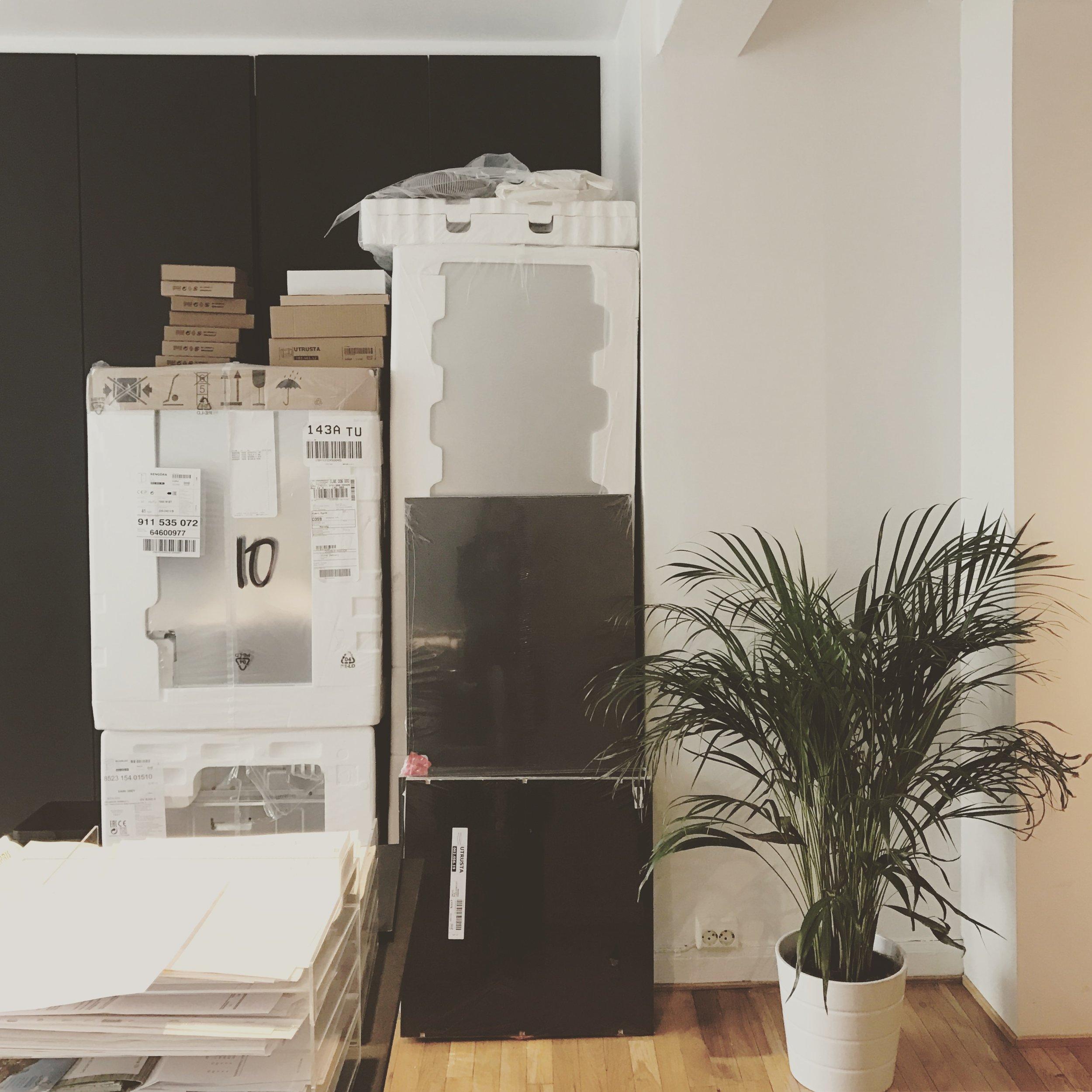1/2017 - Nytt år og nye muligheter! Nytt kjøkken er under bygging på kontoret.