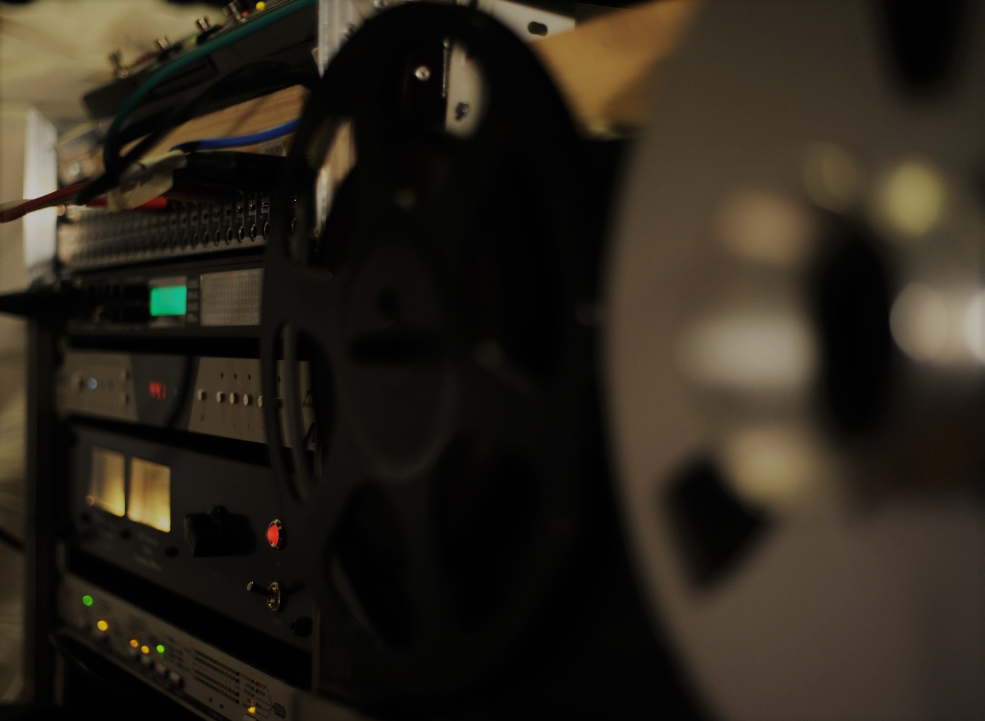 Good Conversion and analog Summing are key ingedrients of our sound.