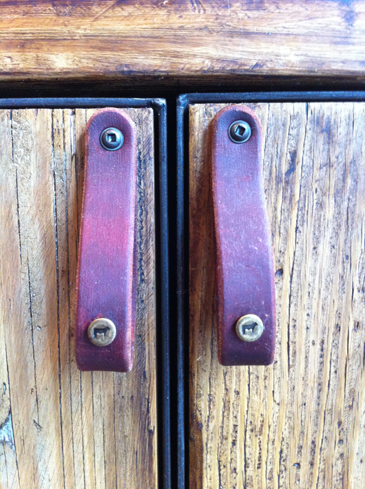 photo | custom leather cabinet pulls