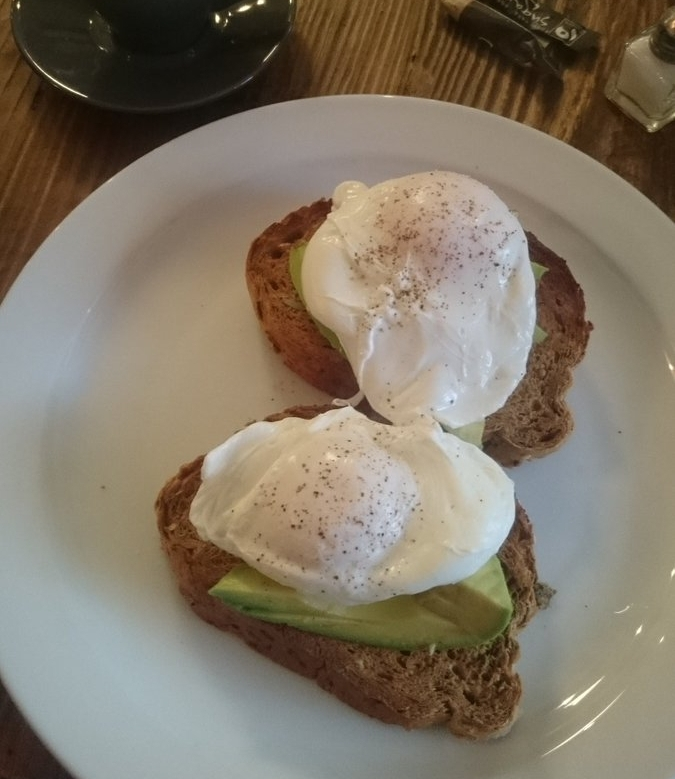 @ibby_tri:  What else to do after a nice 7 miler. Convince  @pouncer6461  to break for espresso, avocado & poached eggs on toast #Run1000Miles #uktrichat