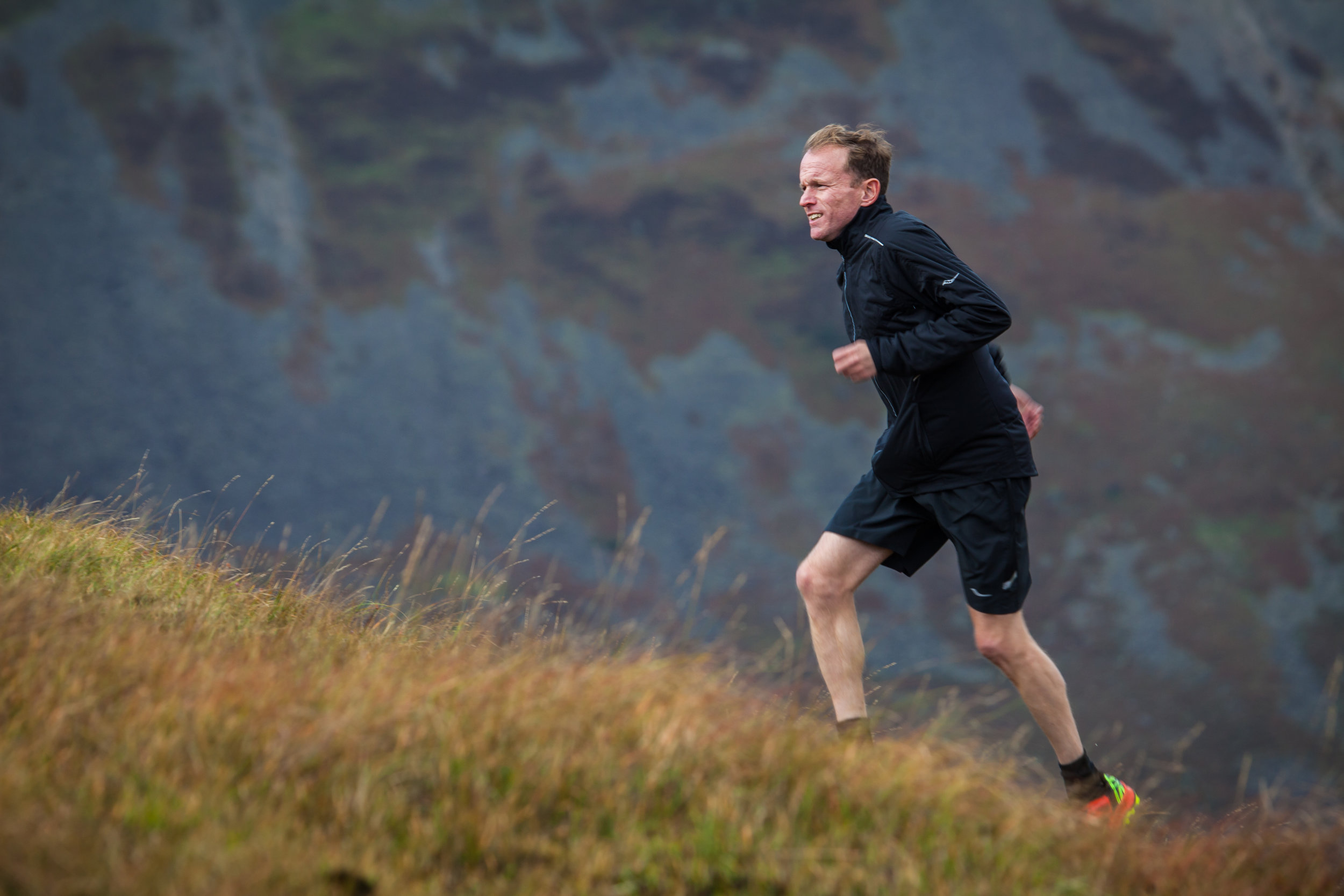 TR's Paul Halford takes on a tough climb in the new Saucony Koa ST (copyright: Dave MacFarlane