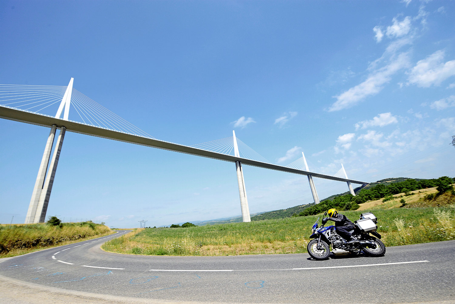 Want a great view of the Millau Viaduct? Turn off the D992 onto the D41A and ride past the visitor centre