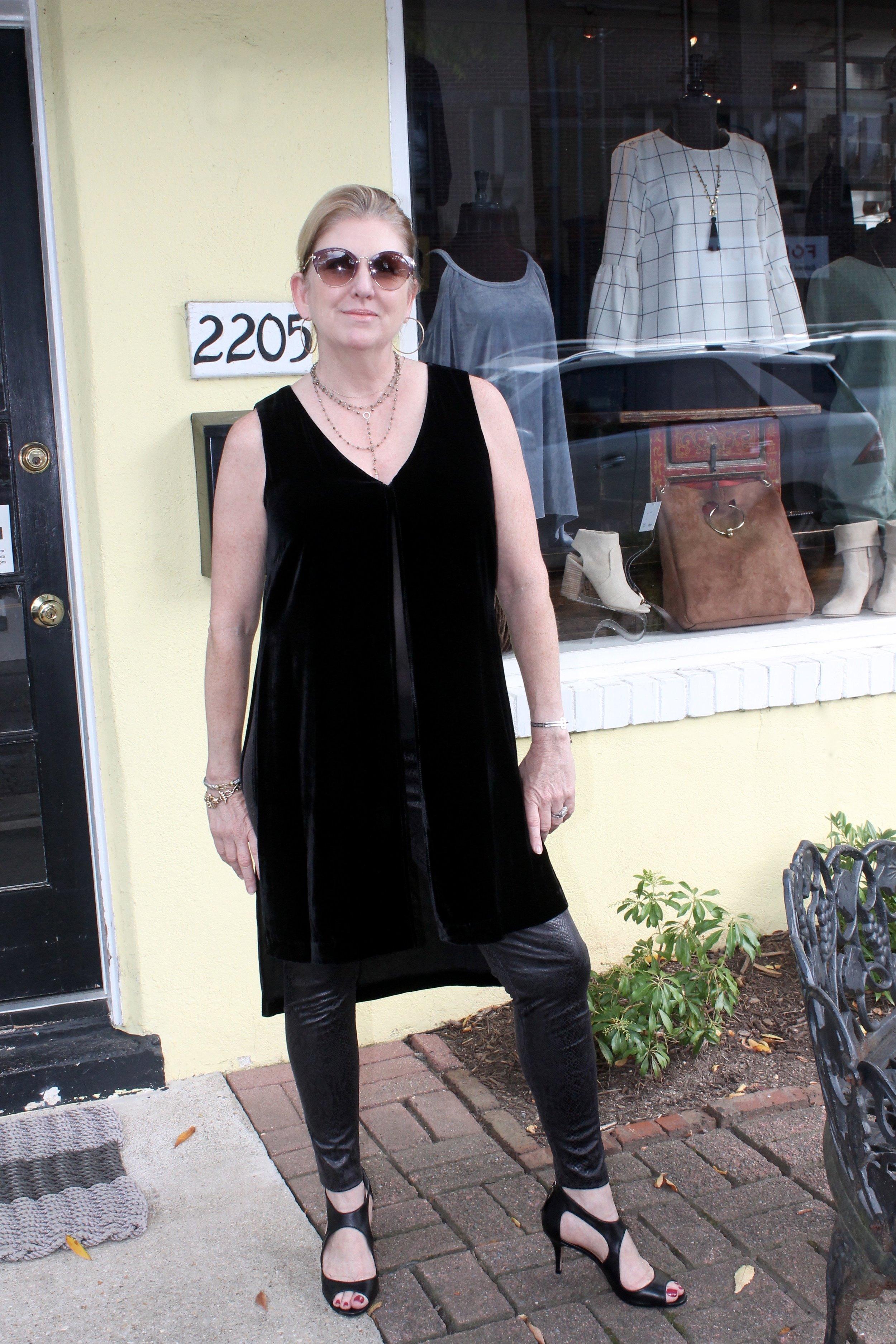 velvet_top_leatherpants.jpg