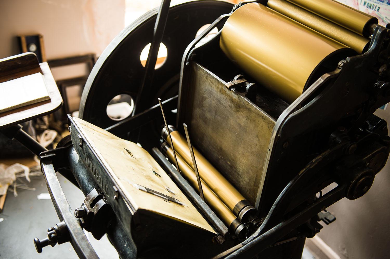 Capreolus-distillery-Eaux-Eau-De-Vie-Gin-Garden-Tiger-bottle-design-packaging-print-letterpress-two-wood-traditional-press-graphic-embossed-009.jpg