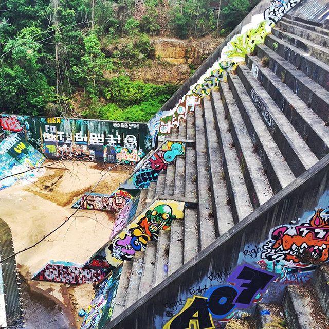 #UrbanArt in #Nature —#BidjigalReserve #Sydney #NSW #streetart #graffiti #graffitiart #streetarteverywhere #smoa #StreetMuseumofArt