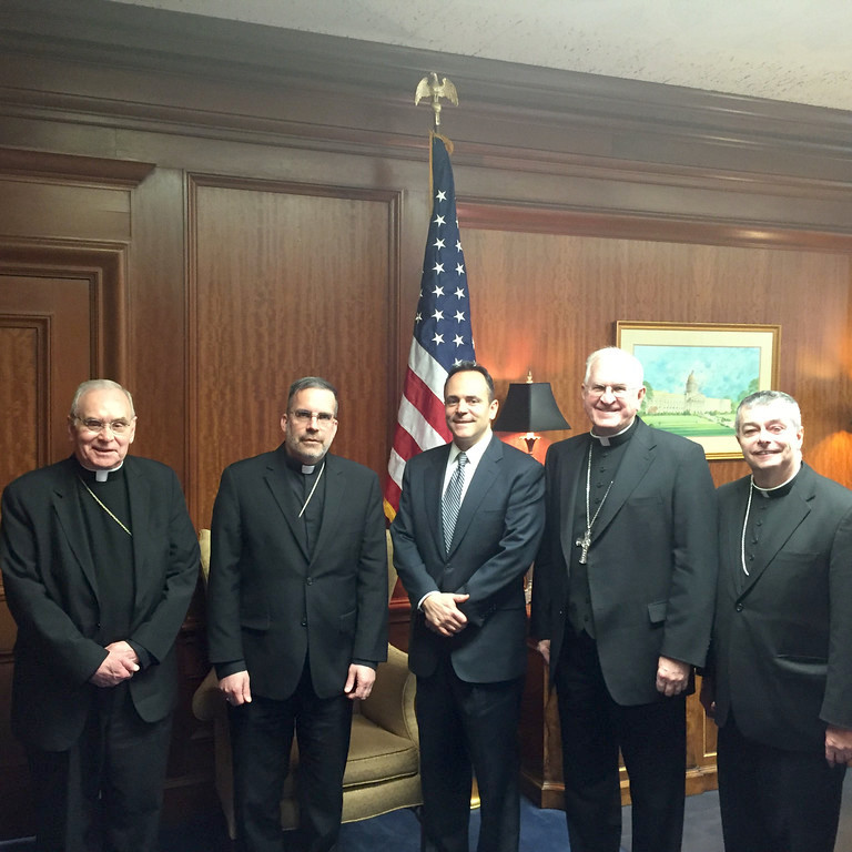 Kentucky Roman Catholic Bishops meet with the Governor to discuss issues.