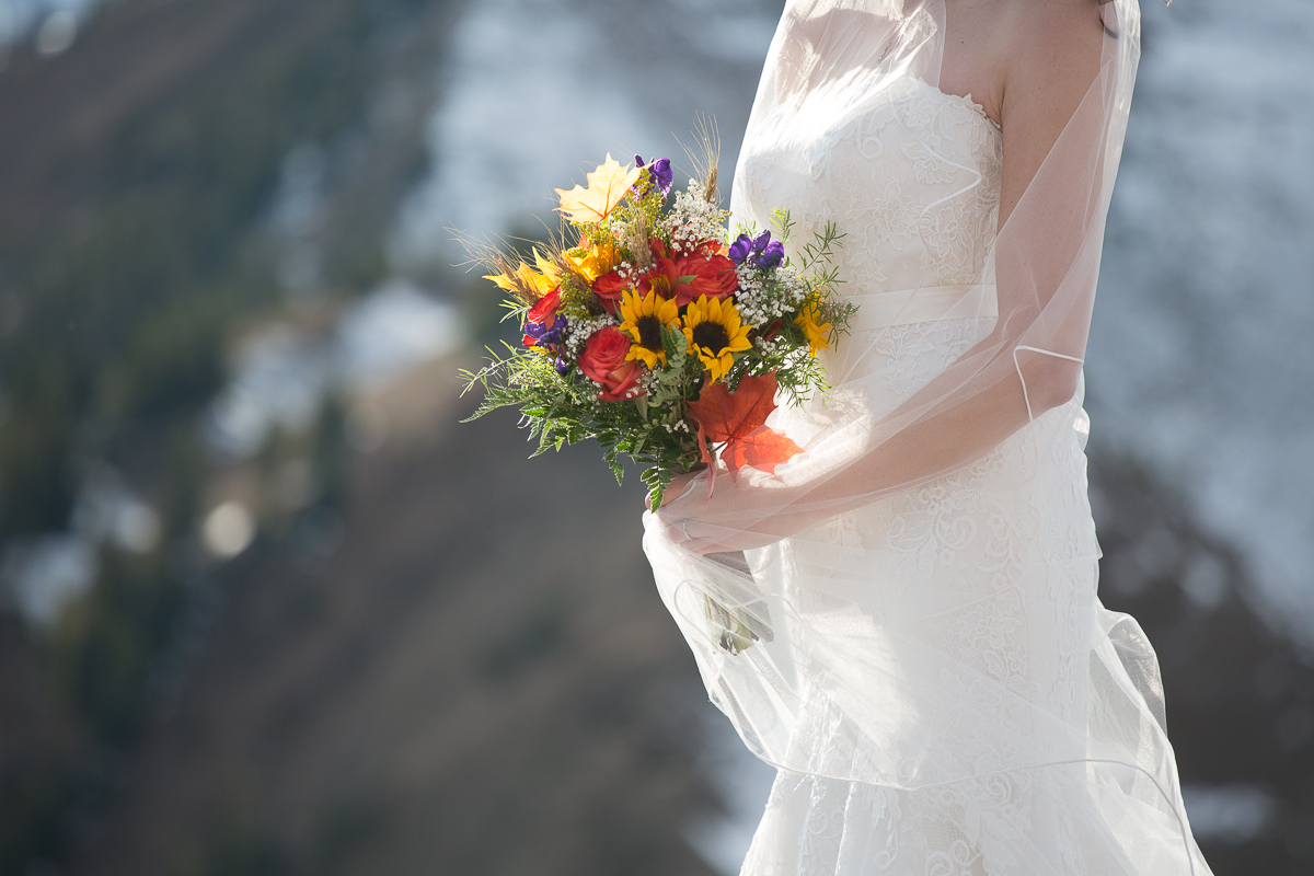 Autumn mountain wedding inspiration in Golden, BC