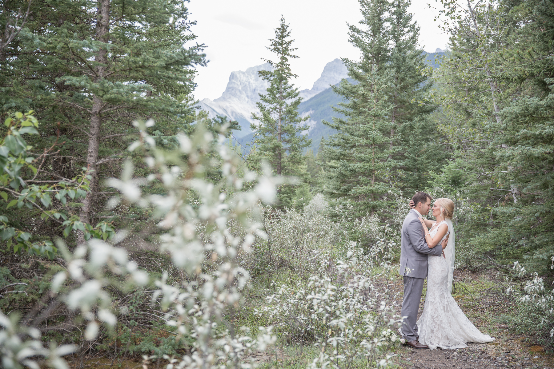 Canmore Alberta mountain wedding photography