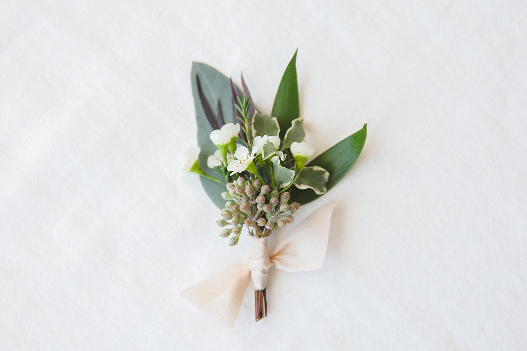 stylish wedding boutonnieres