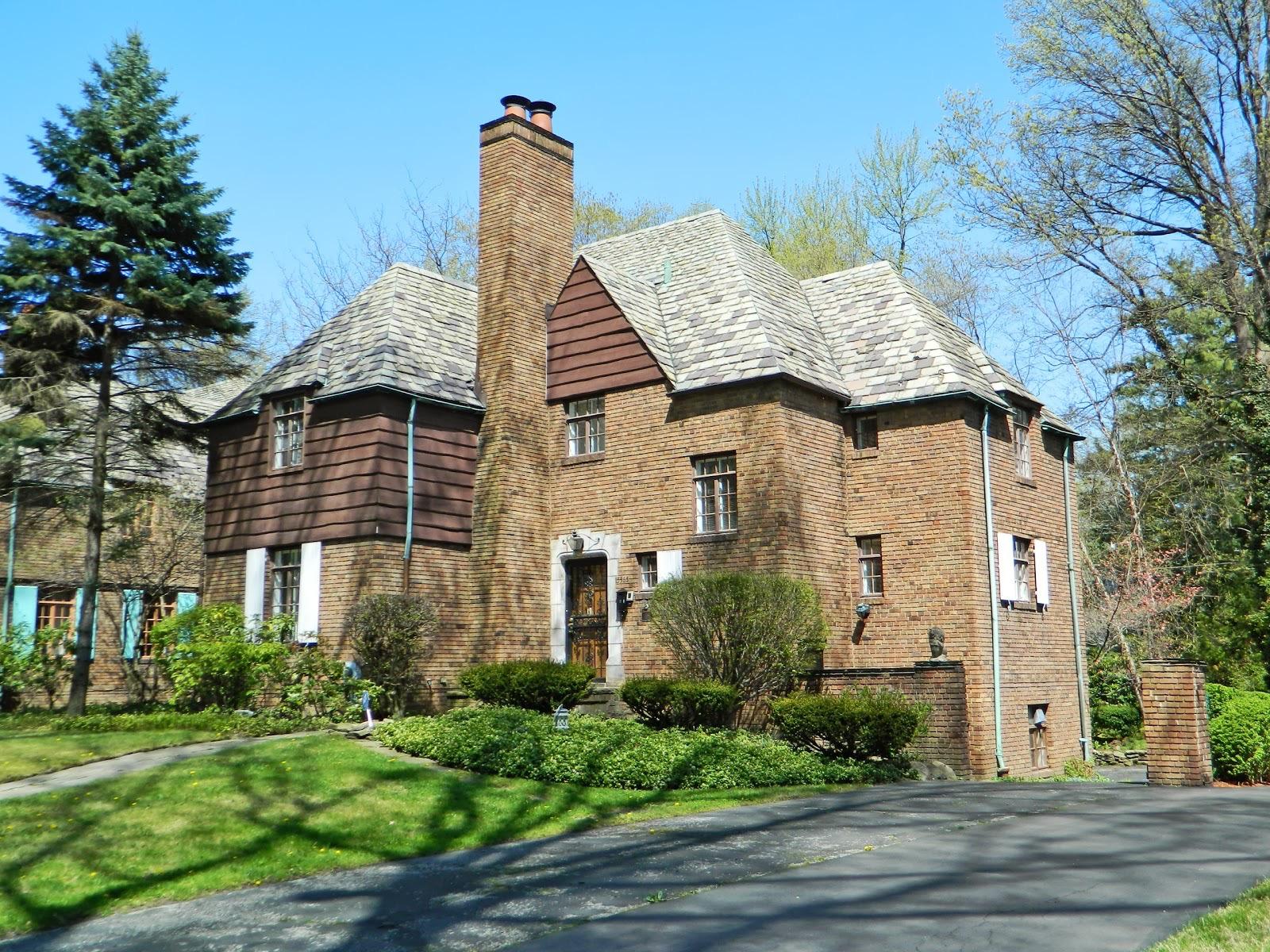 20130430077 E Cleveland Forest Hills 15565 Brewster 1 For Sale.jpg