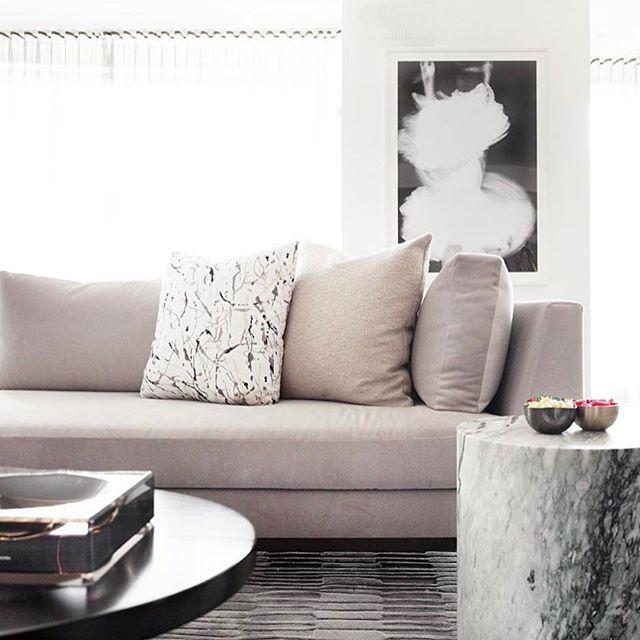 Living Room designed by @michellegersoninteriors photo by @patrickcline_  #michellegersoninteriors  #mgid #interiors #interiordesign  #interiorstyle  #homedecor  #homedesign  #homedecoration  #design #decor #livingroom #bespokefurniture