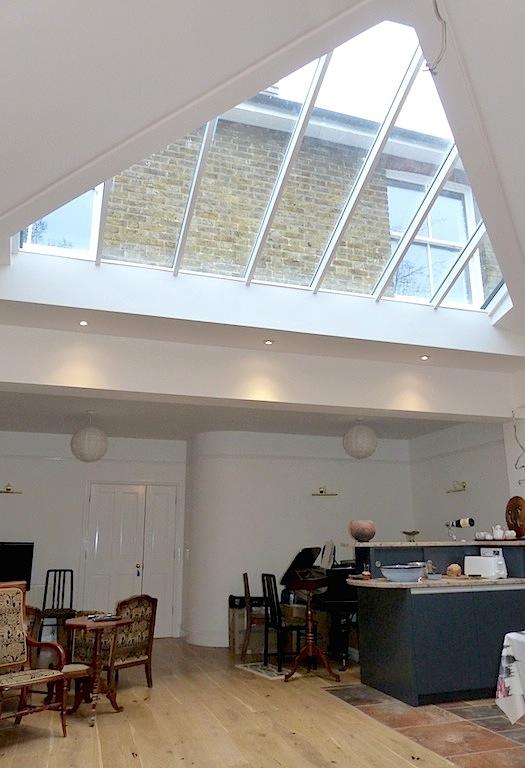 Flanchford Rd interior 1.jpg