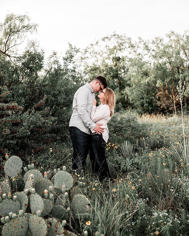 The sweetest couple! I just love meeting new people in Abilene! All this greenery gives me life 🌿