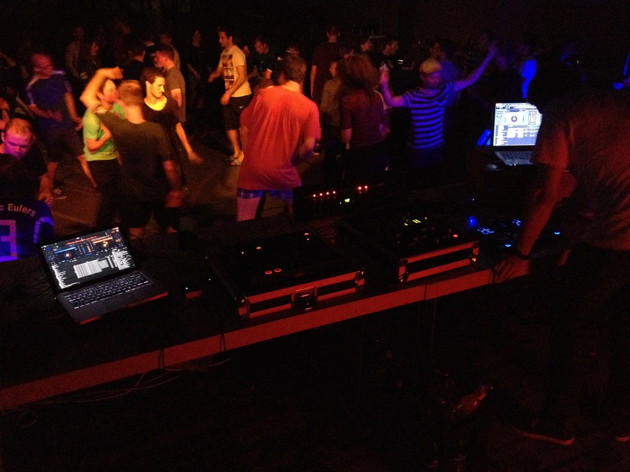 Faultier legt Musik bei Playersparty DFM '16 auf