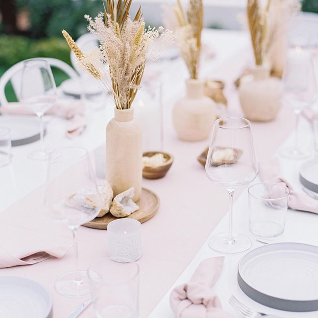 It is really hard getting back in the swing of things after hosting NOURISH, but looking at the beautiful tablescape and remembering the beautiful group of women I had the honor of sharing it with helps. I'm determined to get back in the groove and start planning for our 2020 retreat! I'll be announcing dates and location soon!  Head to our website and sign up for our mailing list to be the first to know! I will also be doing special early bird pricing and announcing to or NOURISH family first. Hope to see you in 2020!  Photo by @ashleysawtelle  Design by @jl_designs  Linen by @bbjlinen  #nourishtheretreat #wellnessretreat #creativeretreat #selfcare #lagunabeach