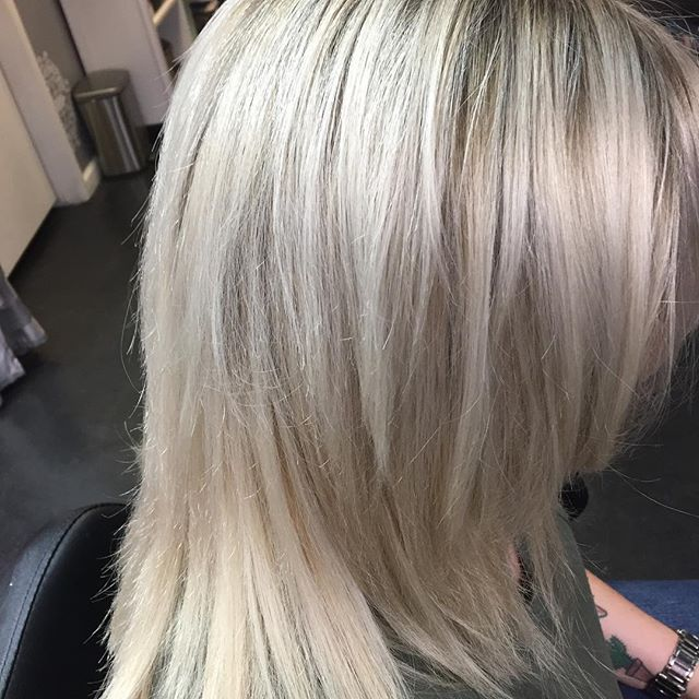 Brighten and lighten up for spring🌼💁🏼‍♀️🌸 #longblondehair #blondehair #loveyourhair #springvalleysalon #highlights #highlightshair #redkencolorist