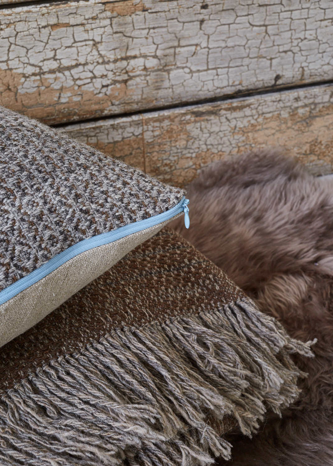 Nordic Lumber Cushion with Blanket