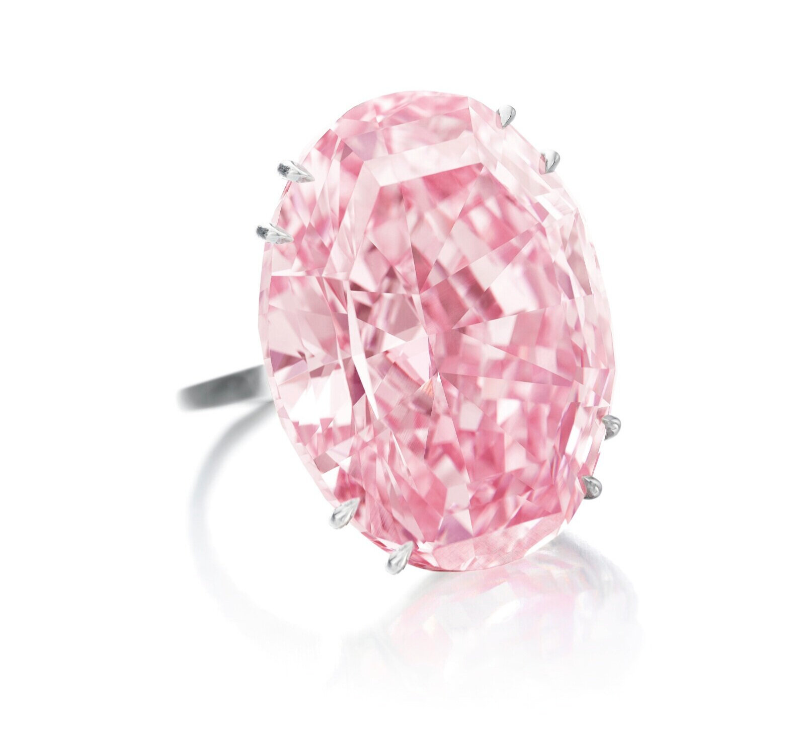 The 59.60-carat oval mixed-cut Fancy Vivid Pink Internally Flawless diamond - Photo: courtesy of Sothebys
