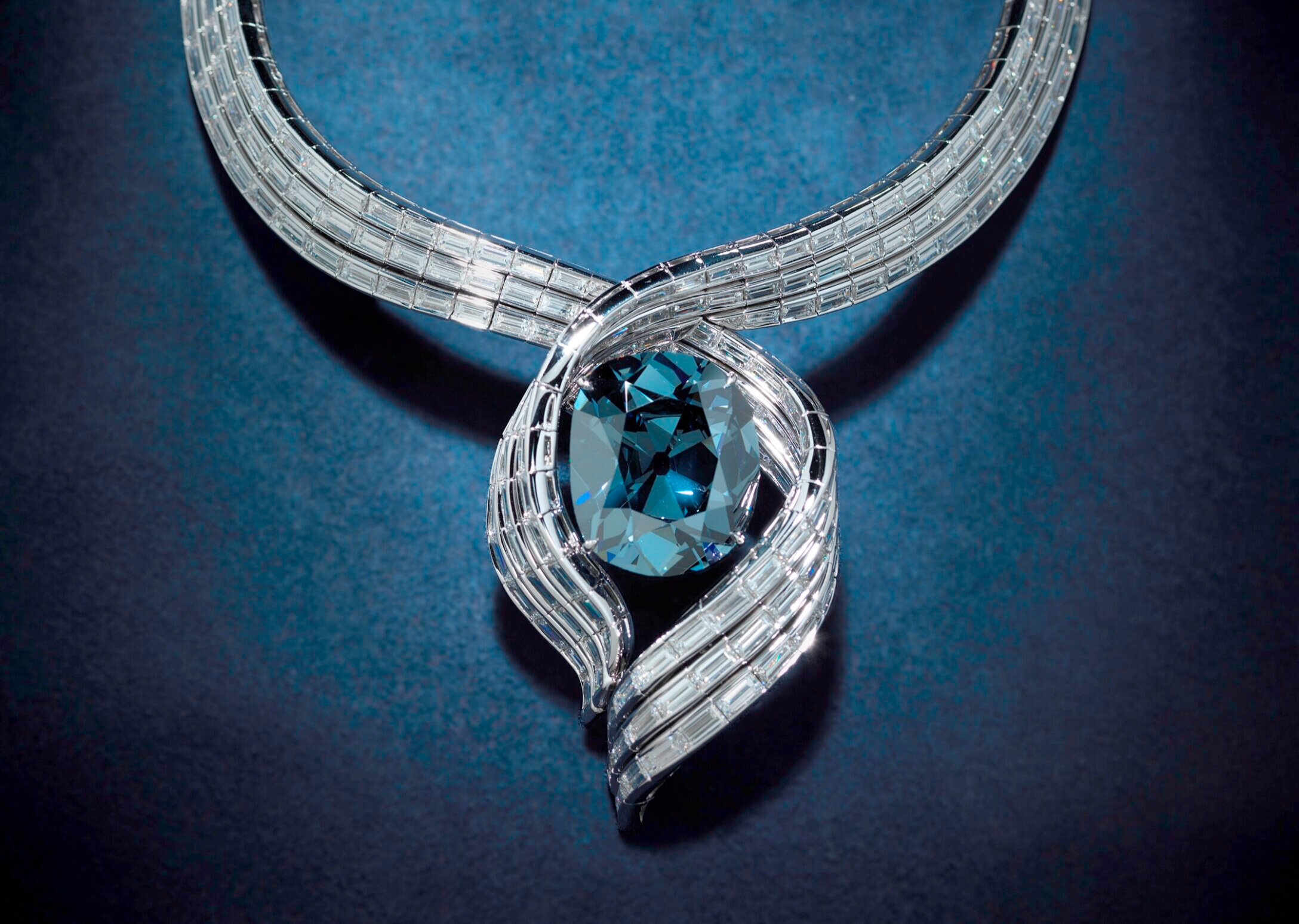 The Hope Diamond - Photo: Don Hurlbert Smithsonian