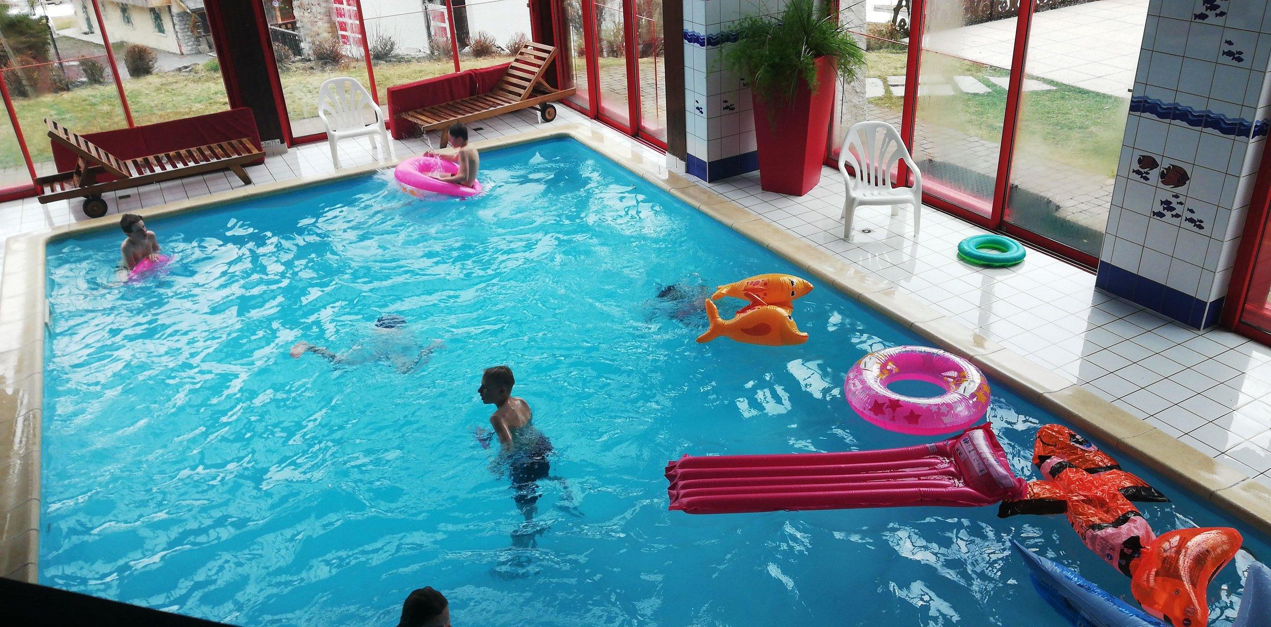 kids zwem.jpeg