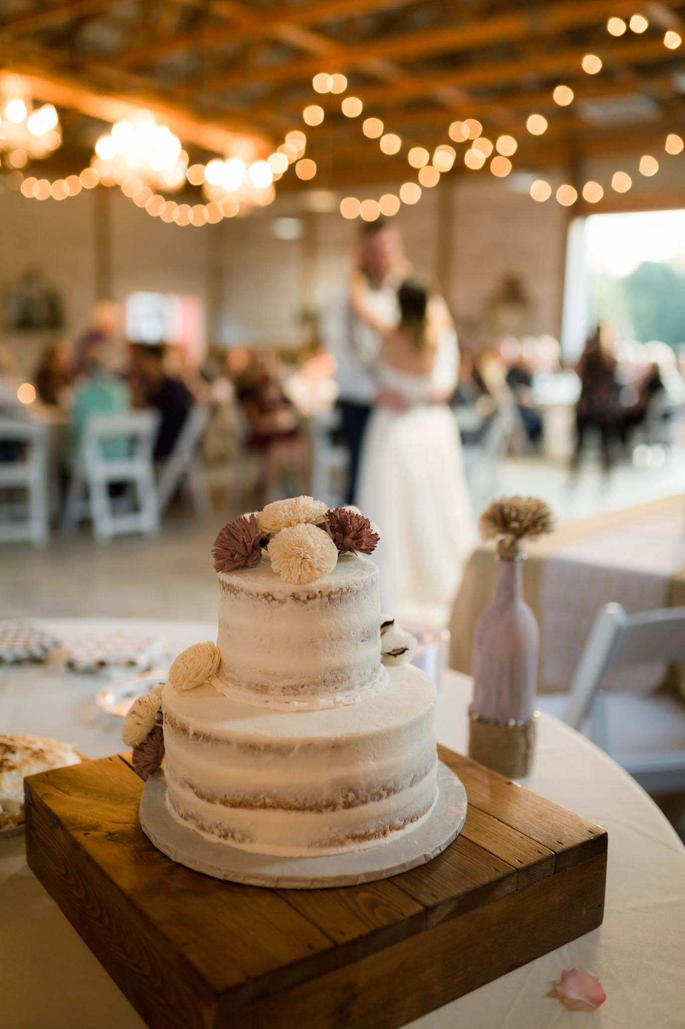 Cake detail in Barn.jpg