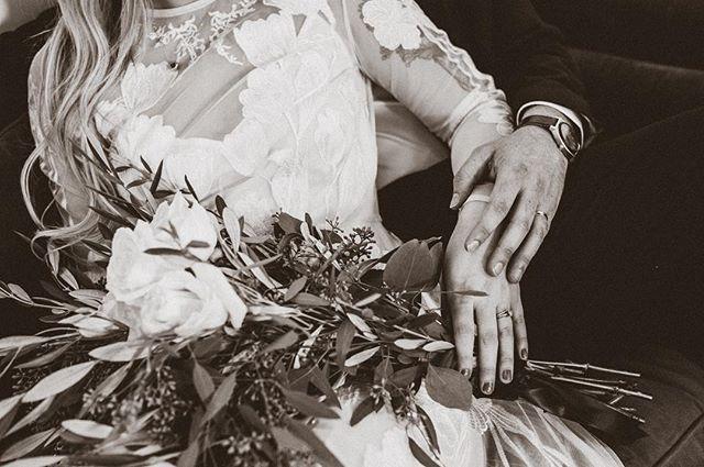 To love and be loved. 💕  Gabrielle + Tucker |  Venue: @sixhundredking • • • #jacksonville #weddingphotographer #ilovejax #weddingphotography #igersjax #duval #jax #onlyinjax #voidlive #onlyinduval #weddinginspiration #904 #weddingday #sixhundredking #904happyhour #theknot #jaxbeach #bride #weddingphoto #jacksonvillefl #groom #weddingdress #jacksonvillephotographer #junebugweddings #weddings #folioweekly #blue_sleeve