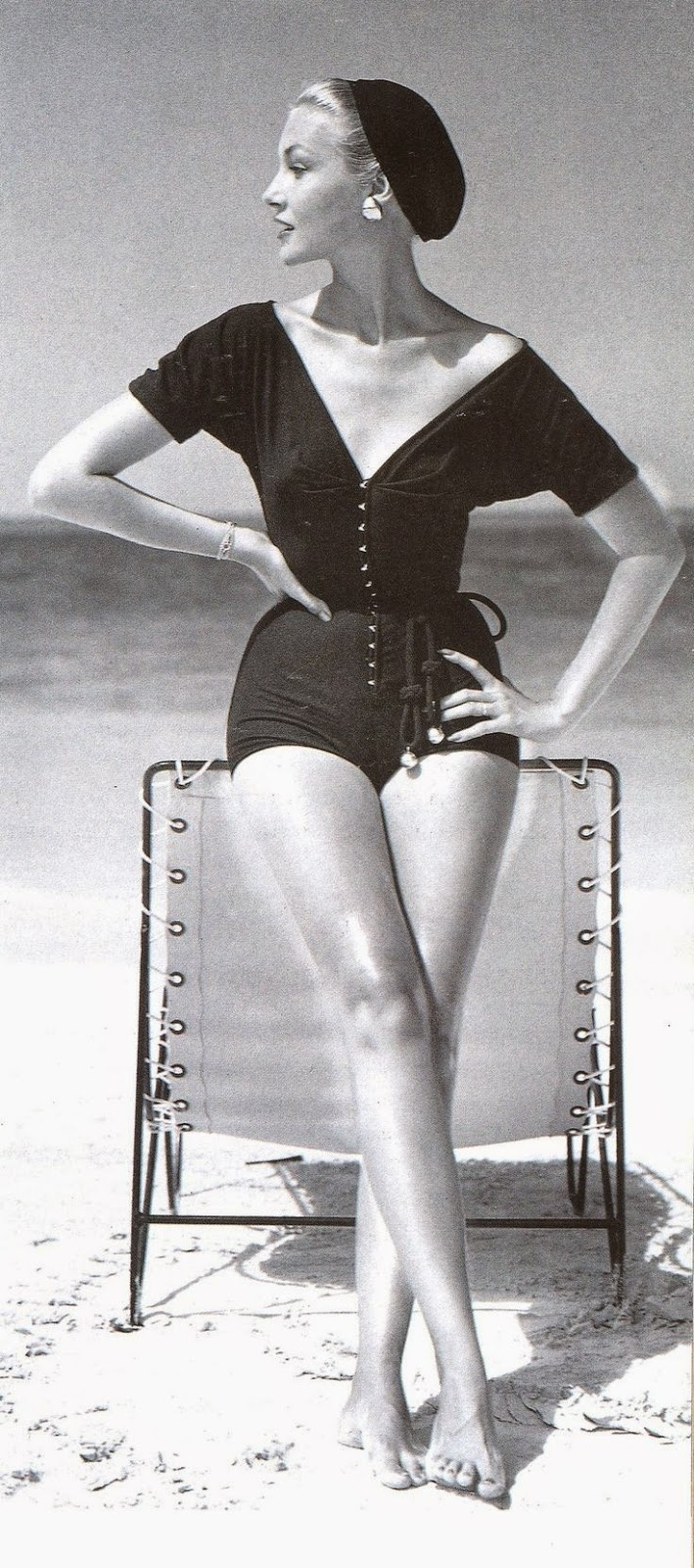 Claire McCardell 1953 Source: www.missdandy77.blogspot.com